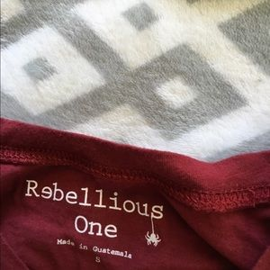 Rebellious One Tops - Red camp crop tee